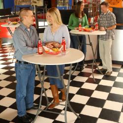 Lifetime stolik okrągły-składany 83,8 cm - daszek nad drzwi